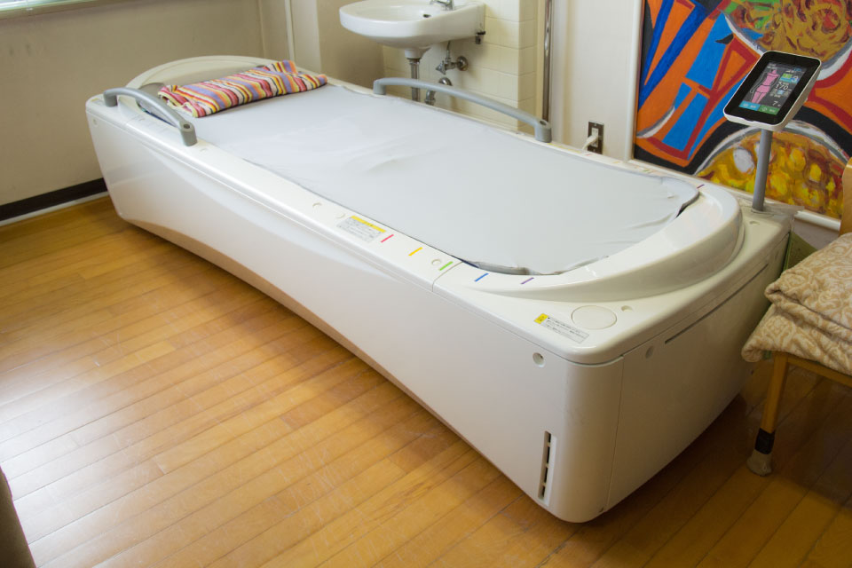 水圧治療器(ウオーターベッド)